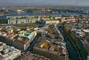 Medium_aerial-view-of-st-petersburgs-most-famous-sights