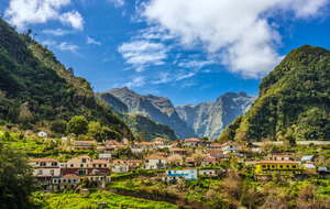 Medium_rural-madeira-parque-natural-do-ribeiro-frio-istock_000061066294_large-2