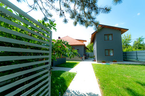 Cazare Casa The Grey House Calimanesti
